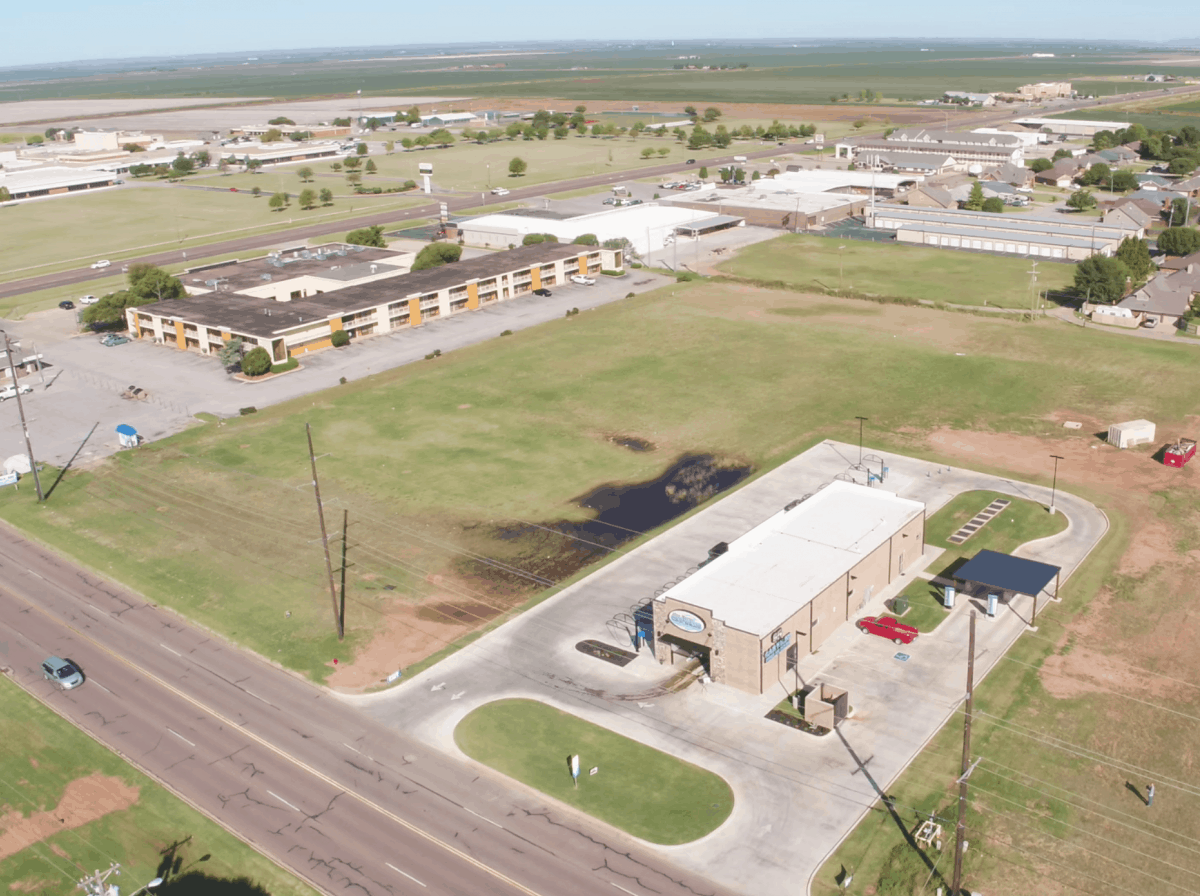 drone photo of car wash facility in Altus, OK