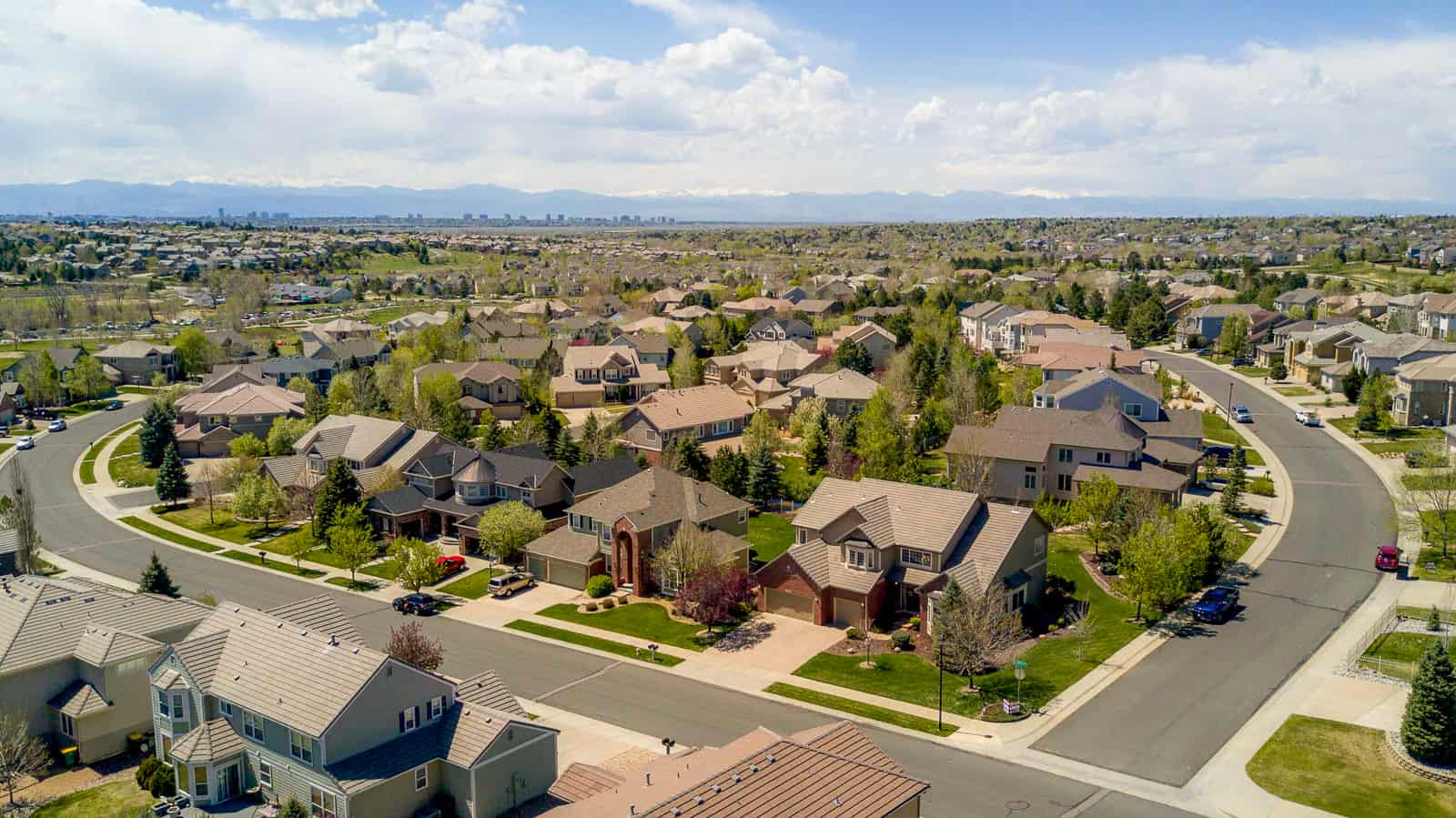 drone photo of residential houses in neighborhood in Aurora, CO