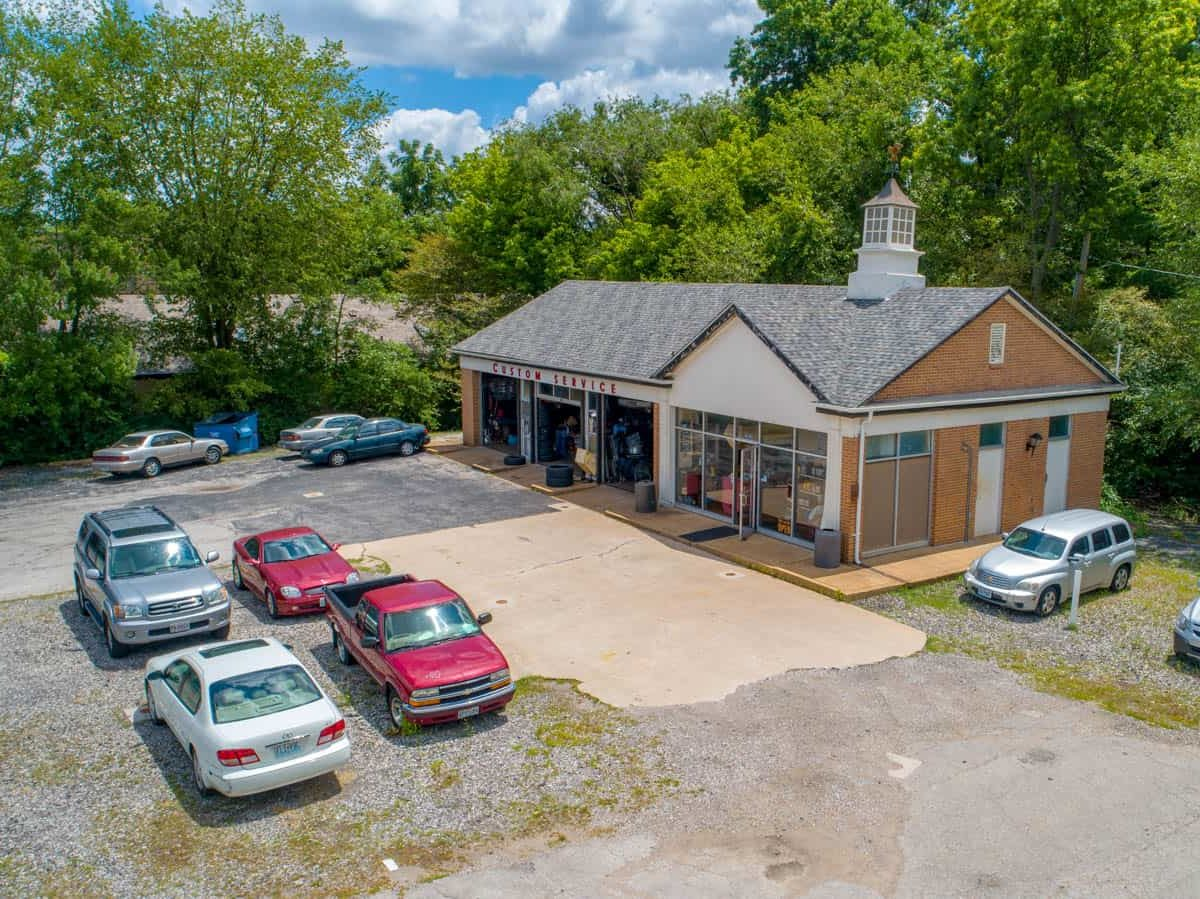 aerial drone photo of auto body shop in Olivette, Missouri