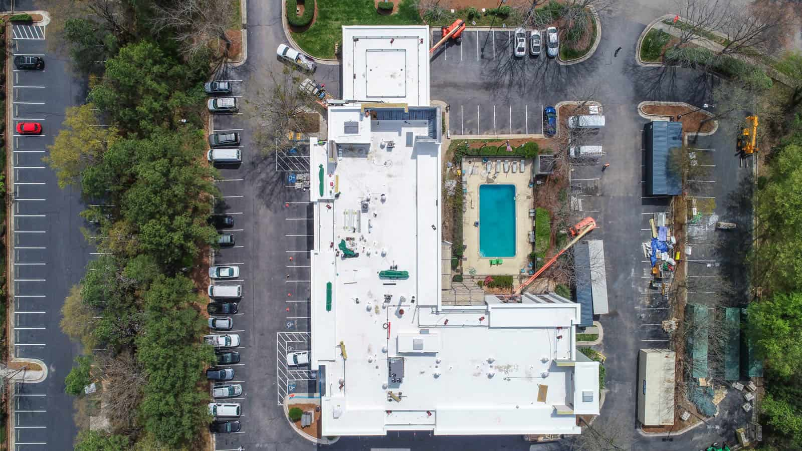top down drone photo of rooftop of Comfort Inn in Raleigh, North Carolina